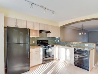 """Photo 2: 8 6747 203 Street in Langley: Willoughby Heights Townhouse for sale in """"SAGEBROOK"""" : MLS®# R2323050"""