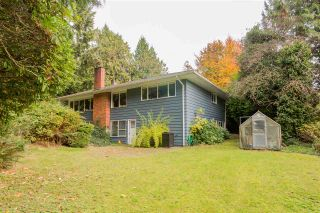 Photo 1: 696 KERRY Place in North Vancouver: Delbrook House for sale : MLS®# R2514981