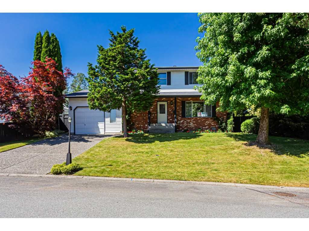 Main Photo: 19293 63A Avenue in Surrey: Clayton House for sale (Cloverdale)  : MLS®# R2559799