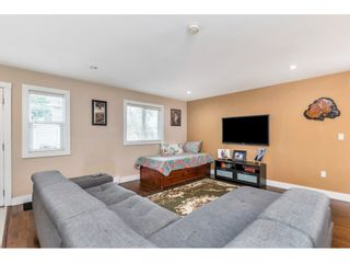 """Photo 7: 17345 63A Avenue in Surrey: Cloverdale BC House for sale in """"Cloverdale"""" (Cloverdale)  : MLS®# R2446374"""