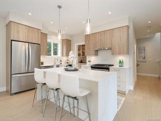 Photo 2: 107 946 Jenkins Ave in : La Glen Lake Row/Townhouse for sale (Langford)  : MLS®# 856886