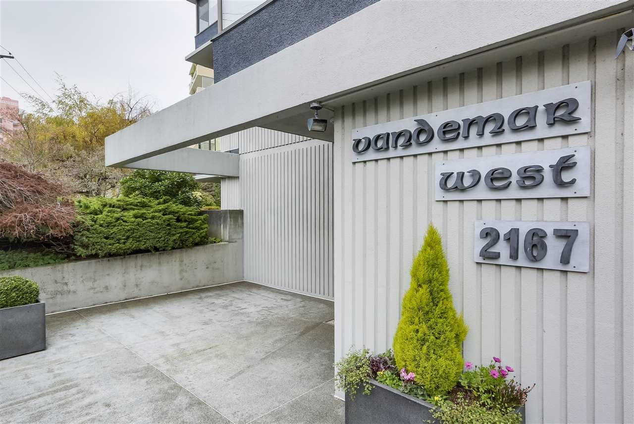 "Main Photo: 201 2167 BELLEVUE Avenue in West Vancouver: Dundarave Condo for sale in ""Vandermar West"" : MLS®# R2324232"
