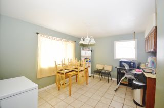 """Photo 4: 888 BLAIR Crescent in Prince George: Highland Park House for sale in """"HIGHLAND PARK"""" (PG City West (Zone 71))  : MLS®# R2125399"""