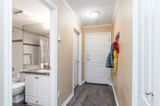 """Photo 3: 103 33150 4TH Avenue in Mission: Mission BC Condo for sale in """"Kathleen Court"""" : MLS®# R2433039"""