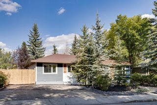 Photo 3: 128 Thorncrest Road NW in Calgary: Thorncliffe Detached for sale : MLS®# A1146759