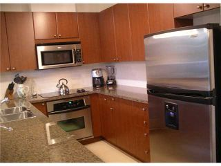 """Photo 4: 502 11 E ROYAL Avenue in New Westminster: Fraserview NW Condo for sale in """"VICTORIA HILL HIGHRISES"""" : MLS®# V861147"""