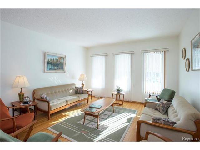 Photo 2: Photos: 31 Farlinger Bay in Winnipeg: Garden City Residential for sale (4F)  : MLS®# 1703932