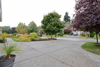"""Photo 8: 13758 21A Avenue in Surrey: Elgin Chantrell House for sale in """"CHANTRELL PARK ESTATES"""" (South Surrey White Rock)  : MLS®# F1422627"""