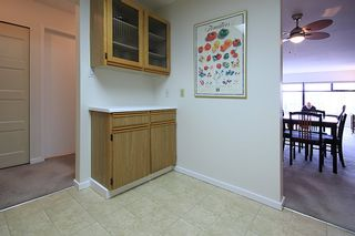"""Photo 9: 903 615 BELMONT Street in New Westminster: Uptown NW Condo for sale in """"BELMONT TOWERS"""" : MLS®# R2152611"""