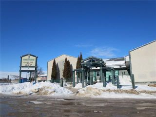 Photo 17: 608 Beresford Avenue in Winnipeg: Lord Roberts Residential for sale (1Aw)  : MLS®# 1905482