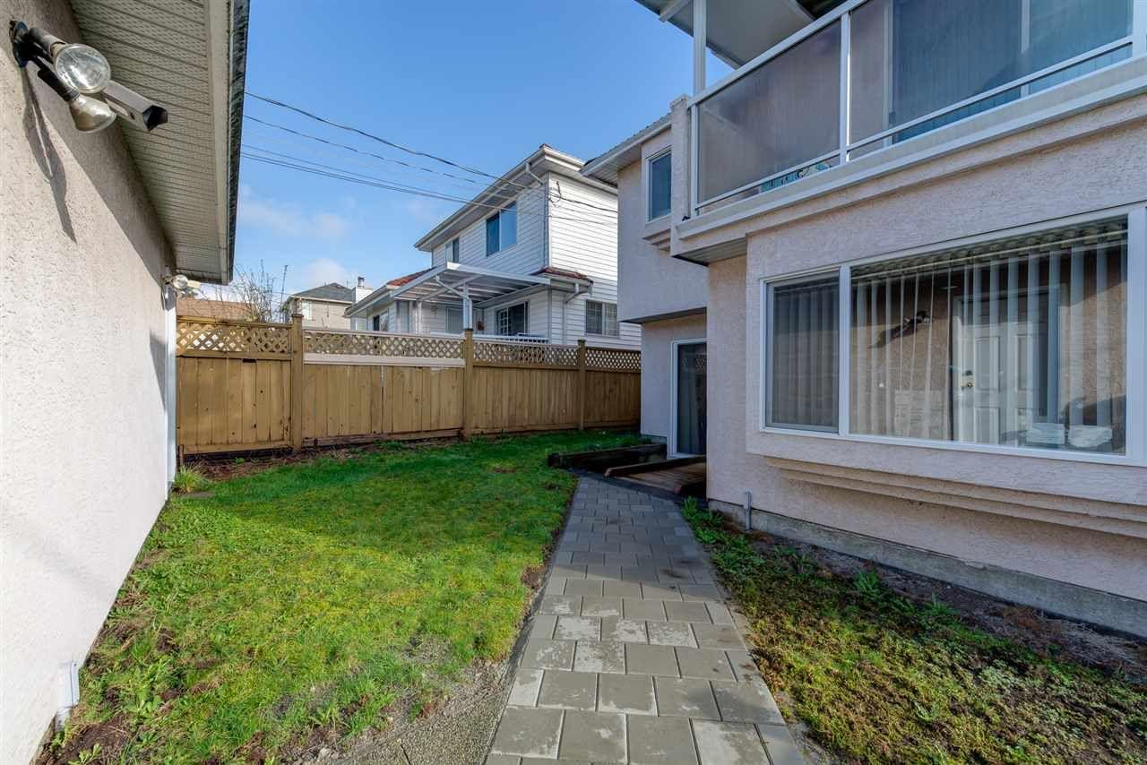 Photo 5: Photos: 8573 LAUREL Street in Vancouver: Marpole 1/2 Duplex for sale (Vancouver West)  : MLS®# R2036216