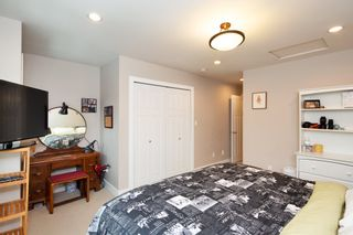 """Photo 14: 101 3333 DEWDNEY TRUNK Road in Port Moody: Port Moody Centre Townhouse for sale in """"CENTREPOINT"""" : MLS®# R2378597"""