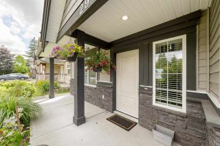 Photo 4: 2955 264A Street: House for sale in Langley: MLS®# R2593290