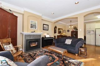 Photo 3: 1819 W 11TH Avenue in Vancouver: Kitsilano Townhouse for sale (Vancouver West)  : MLS®# R2043324