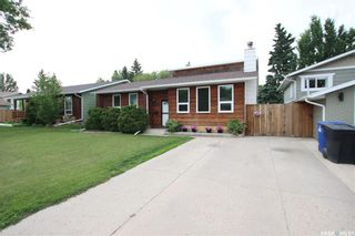 Photo 2: 134 Tobin Crescent in Saskatoon: Lawson Heights Residential for sale : MLS®# SK860594