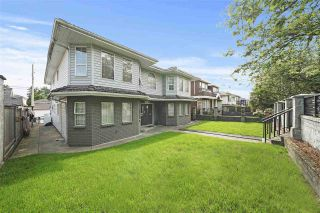 Photo 2: 1670 E 57TH AVENUE in Vancouver: Fraserview VE House for sale (Vancouver East)  : MLS®# R2528714