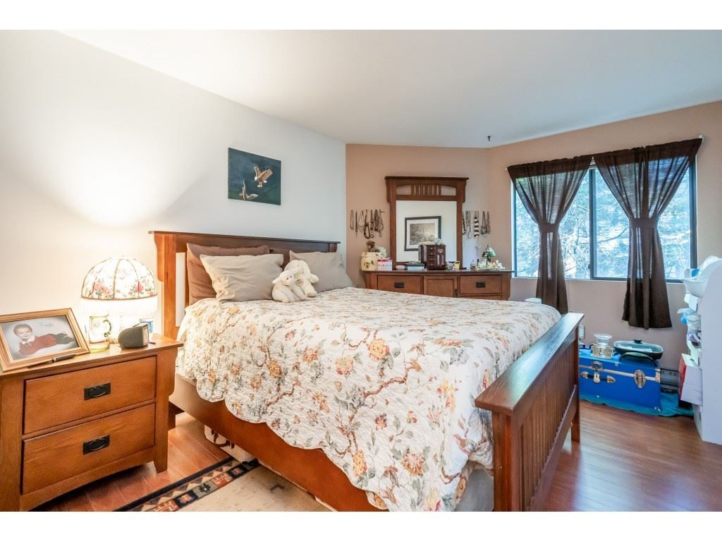 "Photo 12: Photos: 205 7155 134 Street in Surrey: West Newton Condo for sale in ""EAGLE GLEN"" : MLS®# R2446715"