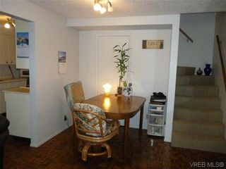 Photo 3: 9 954 Queens Ave in VICTORIA: Vi Central Park Row/Townhouse for sale (Victoria)  : MLS®# 635707