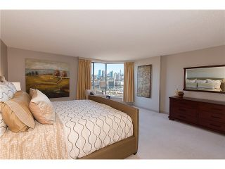 """Photo 15: 911 1450 PENNYFARTHING Drive in Vancouver: False Creek Condo for sale in """"HARBOUR COVE"""" (Vancouver West)  : MLS®# V1045664"""
