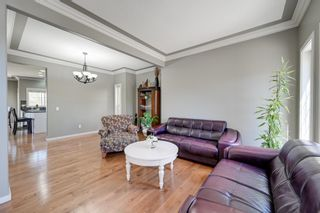 Photo 5: 1232 HOLLANDS Close in Edmonton: Zone 14 House for sale : MLS®# E4247895