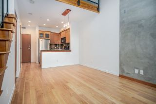 """Photo 7: 111 10 RENAISSANCE Square in New Westminster: Quay Condo for sale in """"MURANO LOFTS"""" : MLS®# R2431581"""