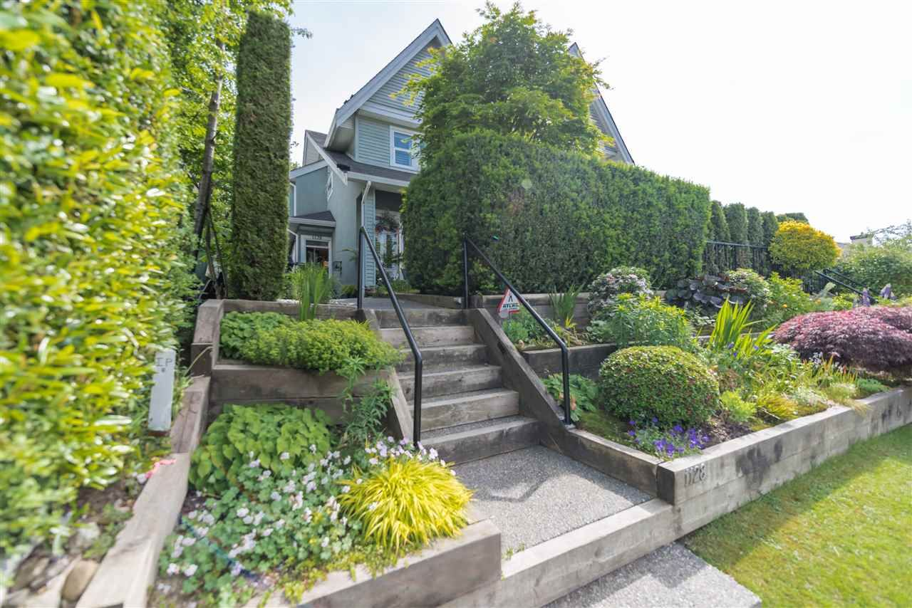 Main Photo: 1128 E 16TH AVENUE in Vancouver: Knight Townhouse for sale (Vancouver East)  : MLS®# R2074557
