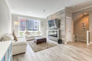 """Photo 3: 196 16488 64 Avenue in Surrey: Cloverdale BC Townhouse for sale in """"Harvest at Bose Farms"""" (Cloverdale)  : MLS®# R2562625"""