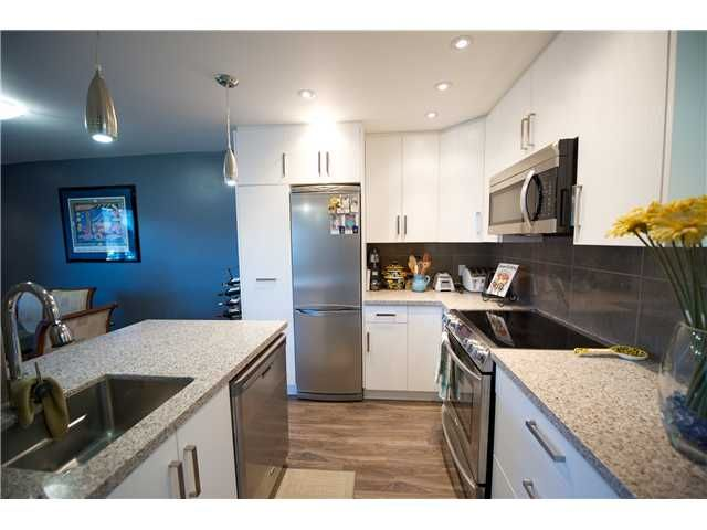 Photo 4: Photos: # 11 1949 W 8TH AV in Vancouver: Kitsilano Condo for sale (Vancouver West)  : MLS®# V1077234