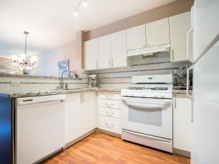 "Photo 16: 207 688 E 16TH Avenue in Vancouver: Fraser VE Condo for sale in ""Vintage Eastside / Cedar Cottage"" (Vancouver East)  : MLS®# R2184492"