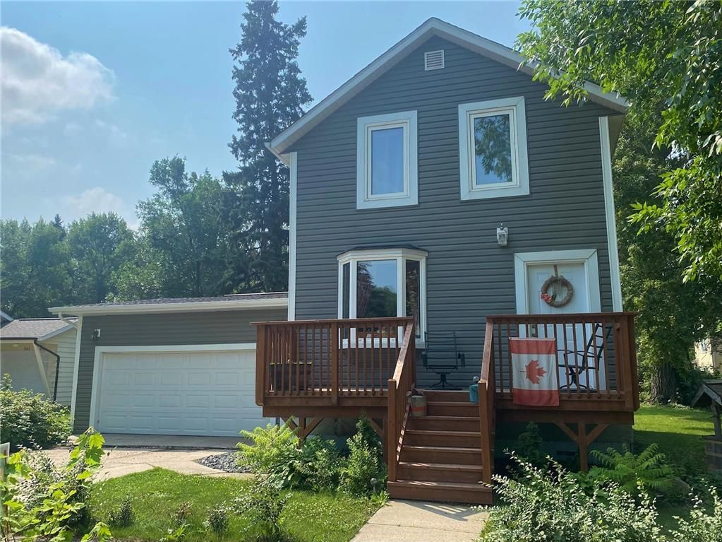 Main Photo: 569 Montcalm Avenue in Gretna: House for sale : MLS®# 202118510