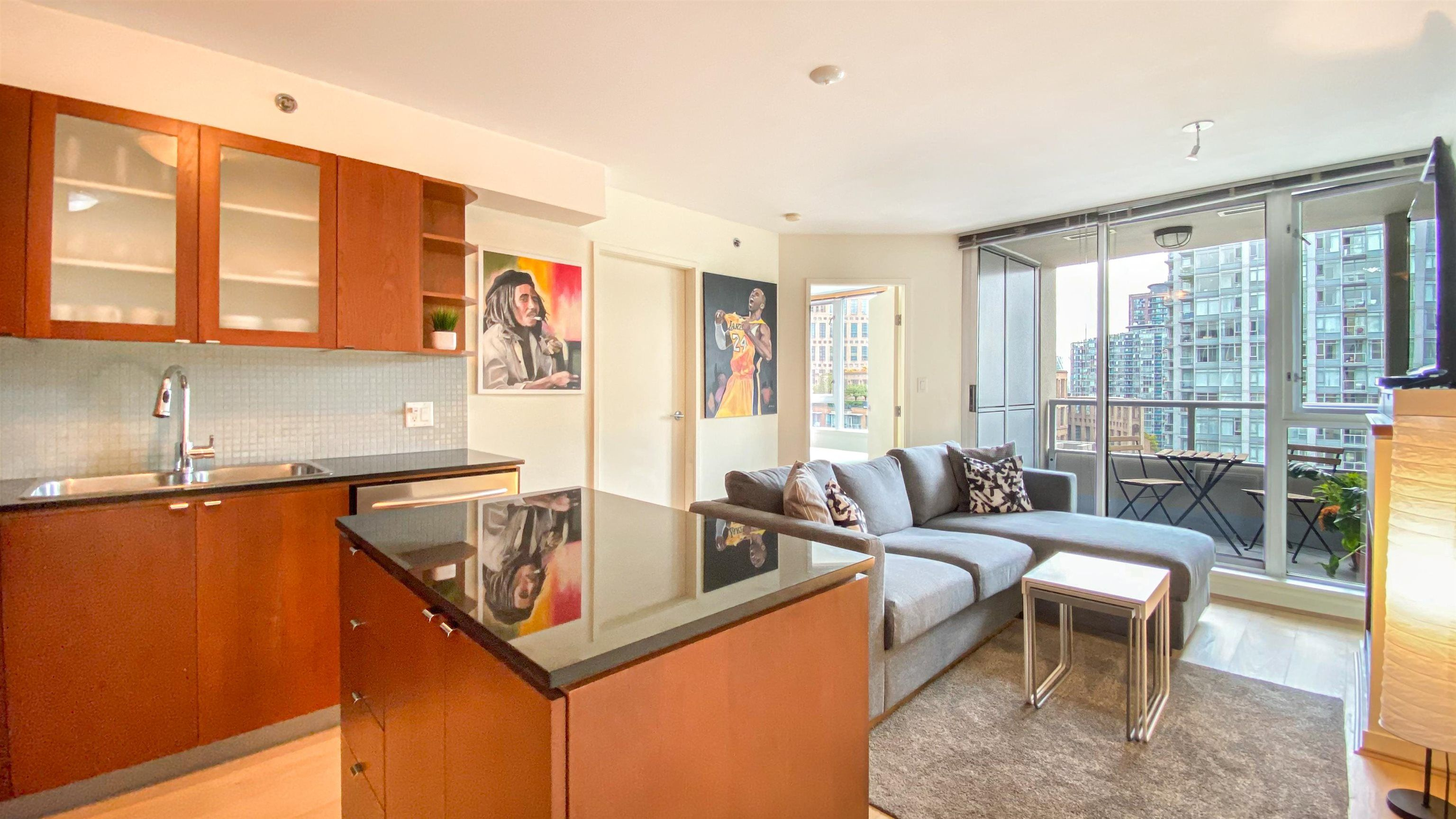"""Main Photo: 1007 822 SEYMOUR Street in Vancouver: Downtown VW Condo for sale in """"L'ARIA"""" (Vancouver West)  : MLS®# R2615782"""