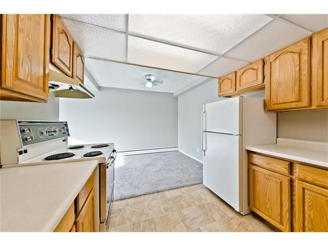 Photo 14: Photos: 118 3809 45 Street SW in Calgary: Glenbrook House for sale : MLS®# C4096404