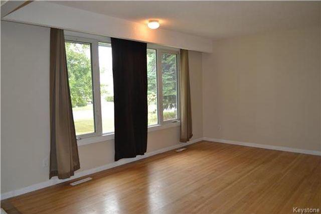 Photo 2: Photos: 339 Dussault Avenue in Winnipeg: Windsor Park Residential for sale (2G)  : MLS®# 1725085