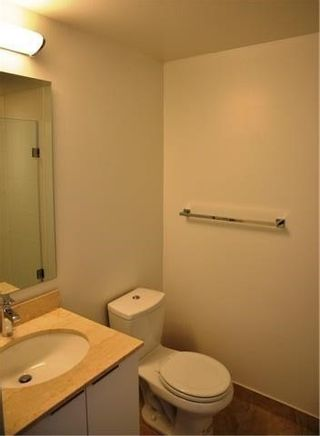 Photo 15: 14 York St Unit #4003 in Toronto: Waterfront Communities C1 Condo for sale (Toronto C01)  : MLS®# C3706392