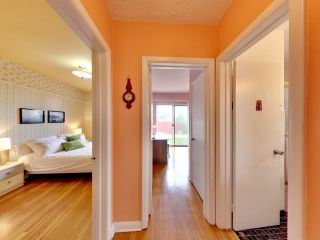 Photo 3: 144 Santamonica Boulevard in Toronto: Clairlea-Birchmount House (Bungalow) for sale (Toronto E04)  : MLS®# E3609016
