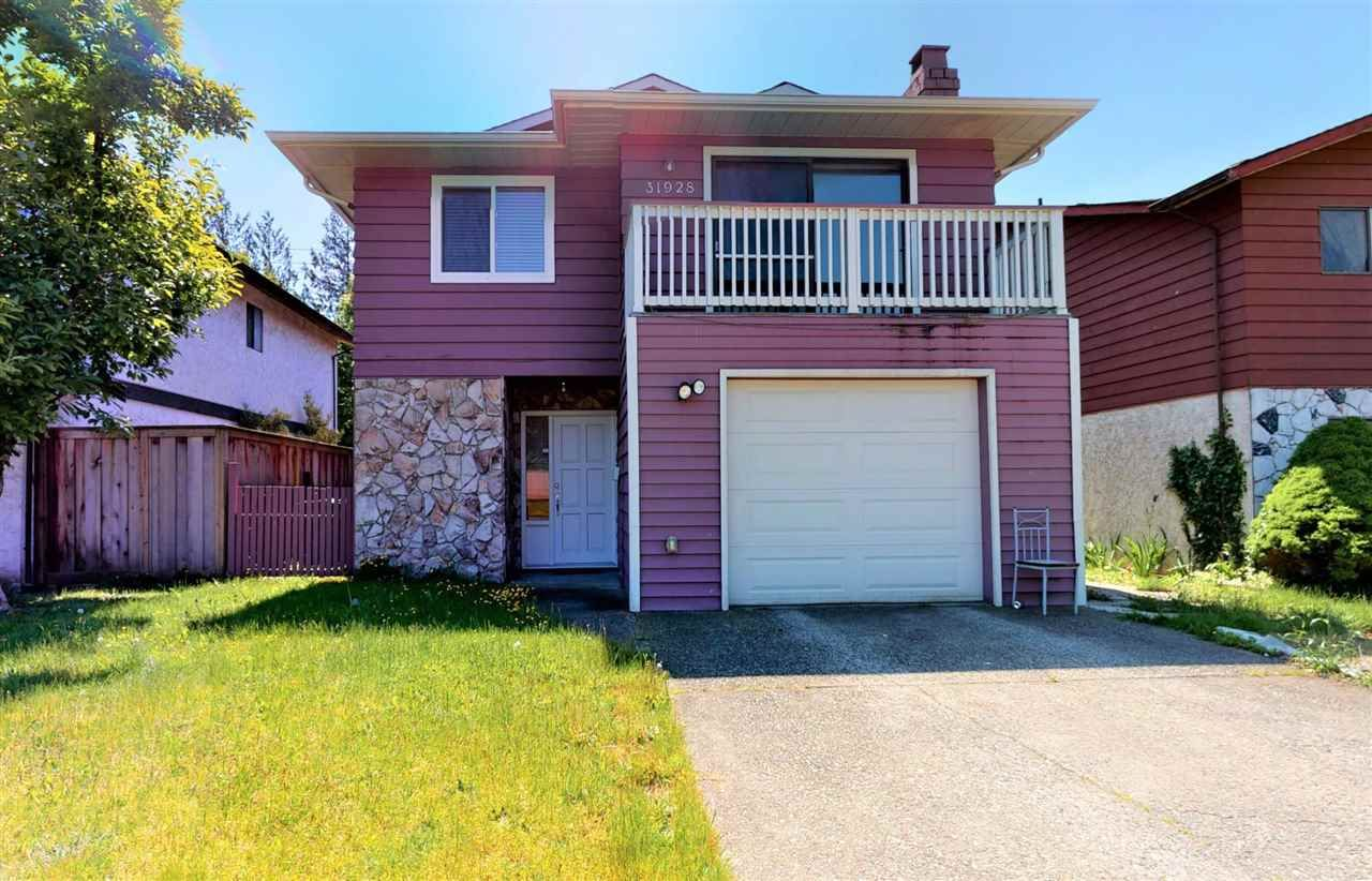 Main Photo: 31928 SATURNA Crescent in Abbotsford: Abbotsford West House for sale : MLS®# R2583065