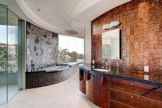 Photo 18: Residential for sale : 5 bedrooms :  in La Jolla