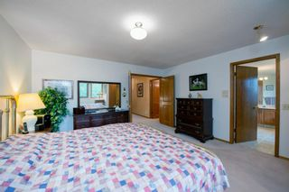 Photo 22: 88 Strathdale Close SW in Calgary: Strathcona Park Detached for sale : MLS®# A1116275