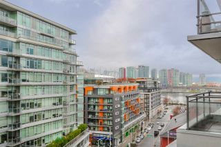 """Photo 7: 1104 89 W 2ND Avenue in Vancouver: False Creek Condo for sale in """"PINNACLE LIVING FALSE CREEK"""" (Vancouver West)  : MLS®# R2250974"""