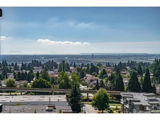 "Photo 15: 1402 6700 DUNBLANE Avenue in Burnaby: Metrotown Condo for sale in ""VITTORIO"" (Burnaby South)  : MLS®# R2562123"