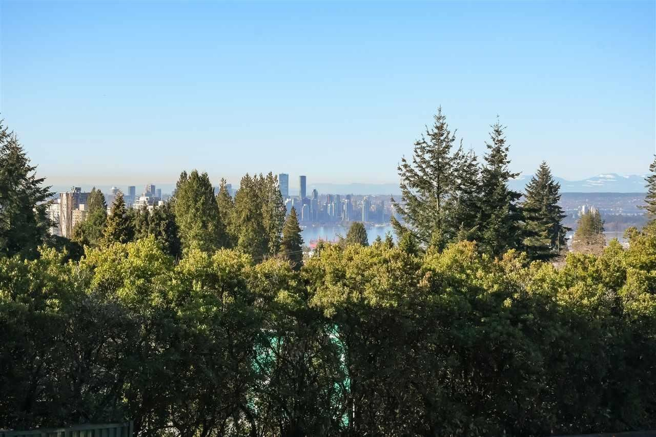 Main Photo: 348 E 25TH Street in North Vancouver: Upper Lonsdale House for sale : MLS®# R2620554