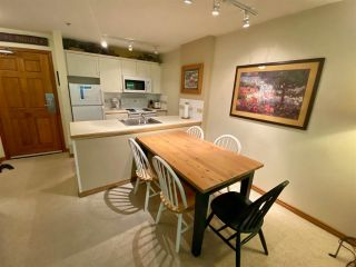"""Photo 10: 121 4800 SPEARHEAD Drive in Whistler: Benchlands Condo for sale in """"Aspens"""" : MLS®# R2485540"""