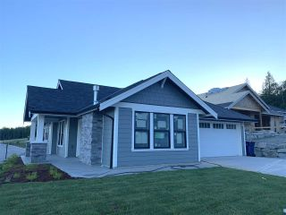 """Photo 1: 6083 KINGBIRD Avenue in Sechelt: Sechelt District House for sale in """"SilverStone Heights Phase2"""" (Sunshine Coast)  : MLS®# R2466317"""