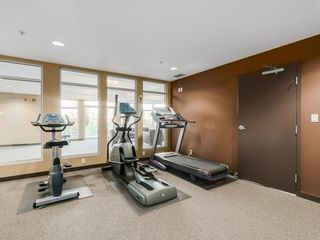 """Photo 14: 307 15168 19TH Avenue in Surrey: Sunnyside Park Surrey Condo for sale in """"The Mint"""" (South Surrey White Rock)  : MLS®# R2070329"""
