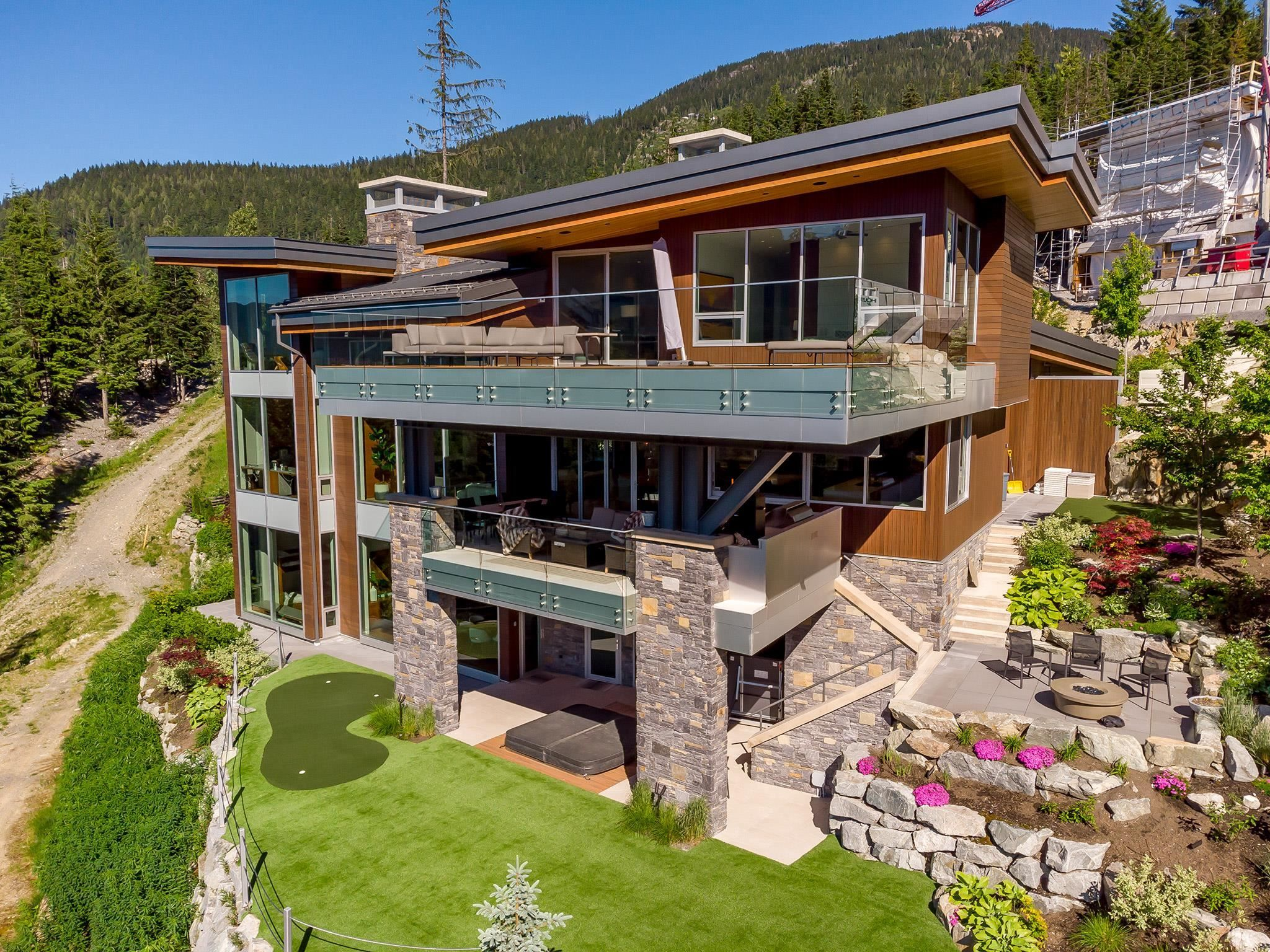 """Main Photo: 2984 TRAIL'S END Lane in Whistler: Bayshores House for sale in """"Kadenwood / Bayshores"""" : MLS®# R2619024"""