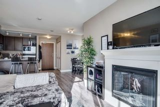 "Photo 1: 1509 892 CARNARVON Street in New Westminster: Downtown NW Condo for sale in ""Azure Li"" : MLS®# R2491135"