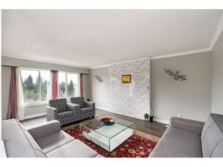 """Photo 5: 18463 56 Avenue in Surrey: Cloverdale BC House for sale in """"CLOVERDALE"""" (Cloverdale)  : MLS®# R2531383"""