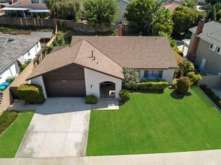Photo 3: 26512 Cortina Drive in Mission Viejo: Residential for sale (MS - Mission Viejo South)  : MLS®# OC21126779