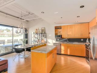 """Photo 12: 511 549 COLUMBIA Street in New Westminster: Downtown NW Condo for sale in """"C2C LOFTS"""" : MLS®# R2129468"""
