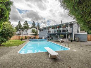 Photo 2: 19349 121A Avenue in Pitt Meadows: Mid Meadows House for sale : MLS®# R2593403